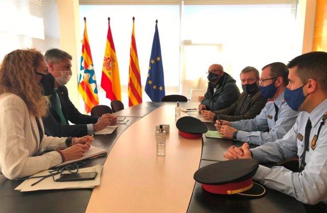 El alcalde de Badalona Xavier García Albiol, la concejal de Seguridad Irene González, el jefe de Mossos en la ciudad Alfons Sarrias y los intendentes de la Policía Local Conrado Fernández y Juan Antonio Pozo, el 13 de enero de 2020.